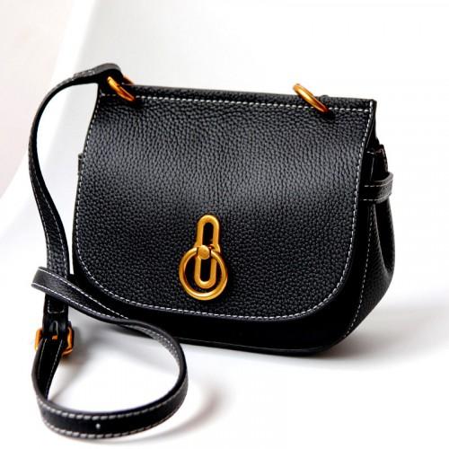 Chic Saddle Leather Bag